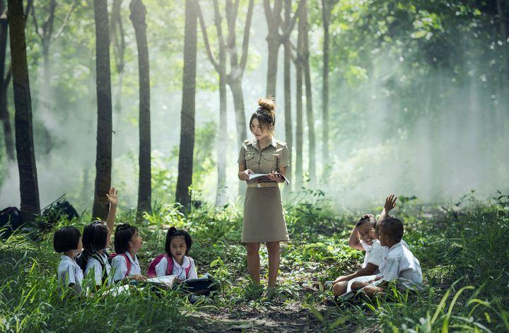 Учительница на уроке в Китае