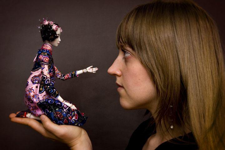 Мастер по изготовлению кукол