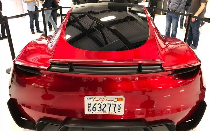Задний бампер Tesla Roadster 2020 года