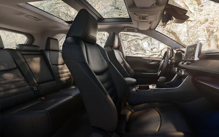 Салон Toyota RAV 4 2019-2020 года