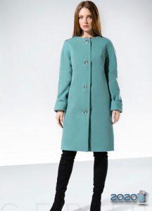 Модное женское пальто в голубых оттенках 2019-2020