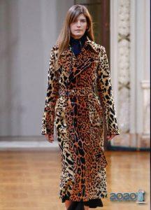Модные пальто 2020 года