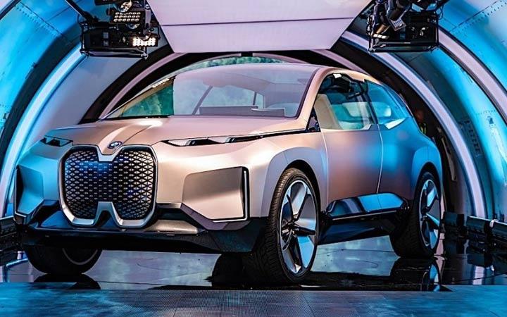 Элетрокросс BMW iNEXT 2020 года