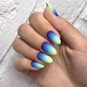 Модные ногти омбре на Новый Год 2020