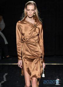 Коричневое коктейльное платье осень-зима 2019-2020