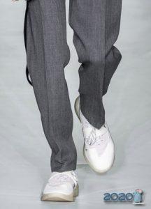 Белые туфли мужская мода осень-зима 2019-2020