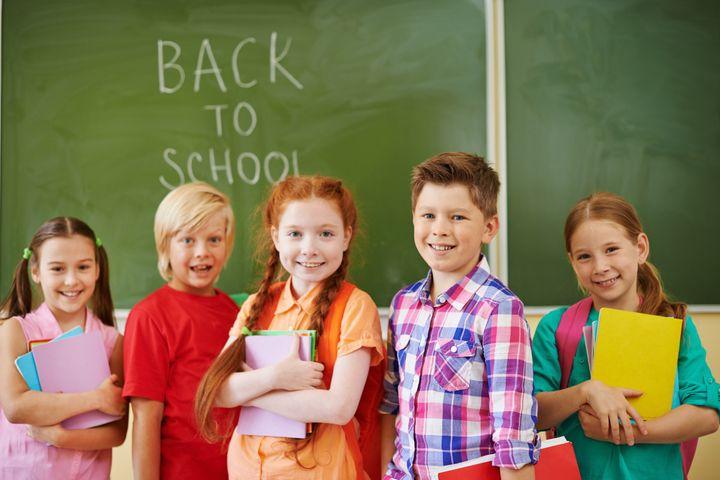 Школьники на уроке английского