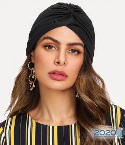 Модная шляпа-тюрбан