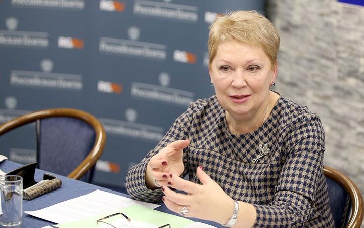 Ольга Васильева 28.12.18 подписала Приказ №345 про учебники