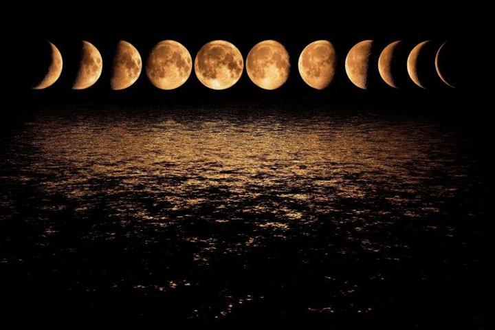фазы луны над водой