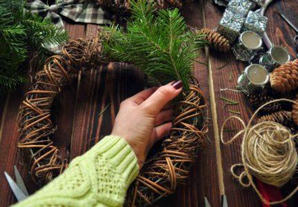 Пошаговая инструкция изготовления новогоднего венка фото
