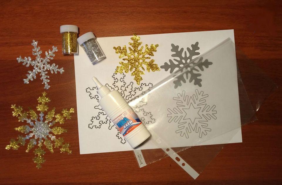 Как сделать снежинку из клея на окно