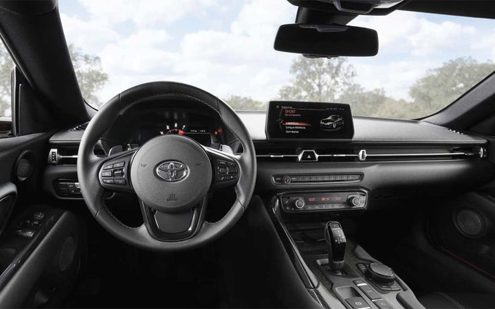 Интерьер Toyota Supra 2020