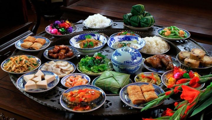 Новогодний стол во Вьетнаме