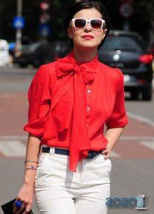 Блуза с бантом мода 2020 года