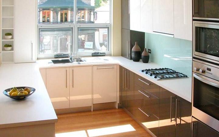 П-образное размещение кухонной мебели идеи дизайна на 2020 год