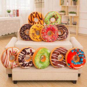 Декоративные подушки цифры двойки и нолики на новый 2020 год