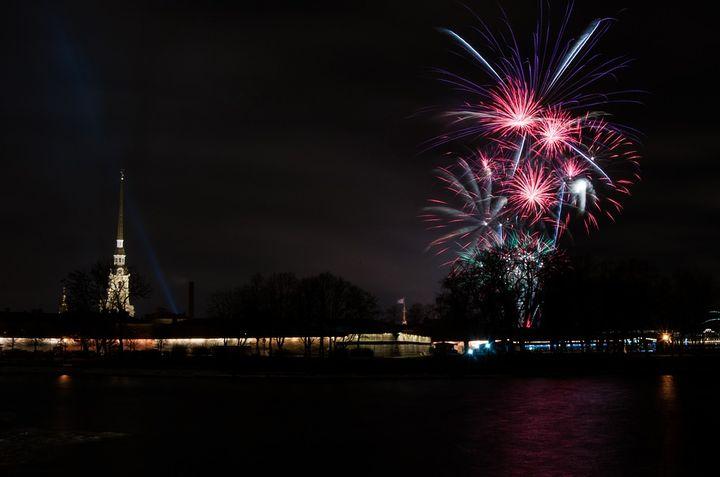 Новогодний салют на Дворцовой площади