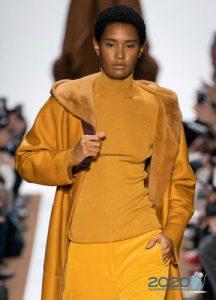 Золотой свитер сезона осень-зима 2019-2020
