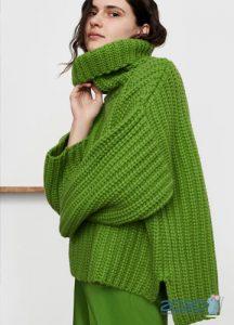 Яркий объемный свитер осень-зима 2019-2020