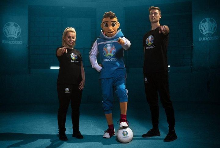 Талисман Евро 2020 по футболу Скиллз