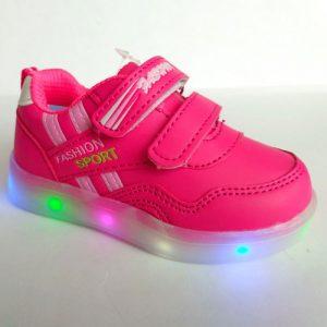 Светящиеся кроссовки и другие идеи подарков для девочки на 2020 год