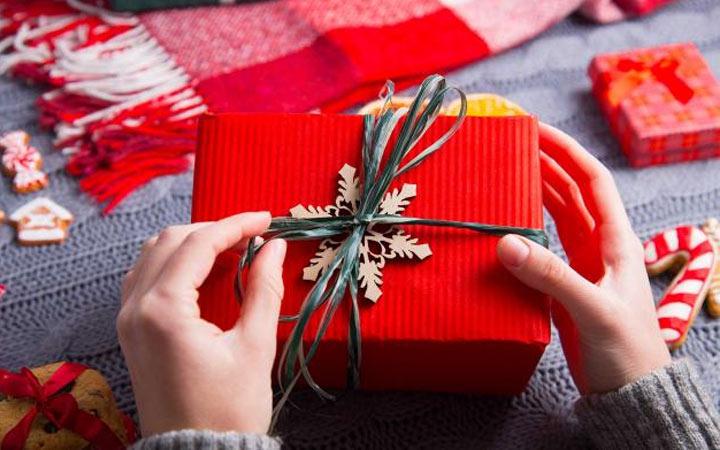 Что подарить мужу, брату, папе или другу на Новый Год 2020