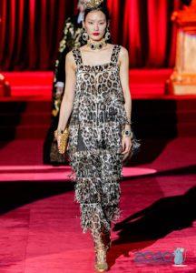 Леопардовое платье с бахромой Дольче Габбанна осень-зима 2019-2020