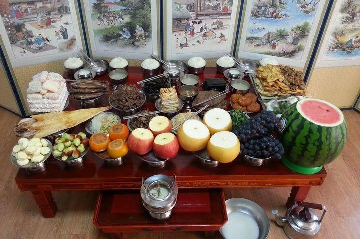 Праздничный стол для церемонии чарэ