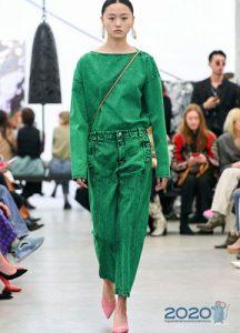Модные цветные джинсы осень-зима 2019-2020