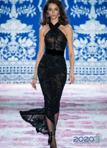 Черное платье русалка сезона осень-зима 2019-2020
