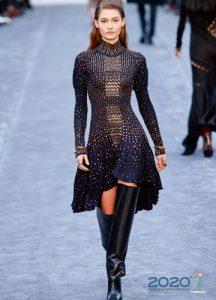 Платье с пышной асимметричной юбкой осень-зима 2019-2020