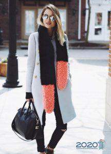 Как носить модный шарф