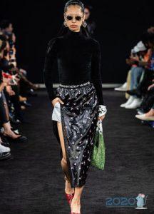 Модная юбка с высоким разрезом осень-зима 2019-2020