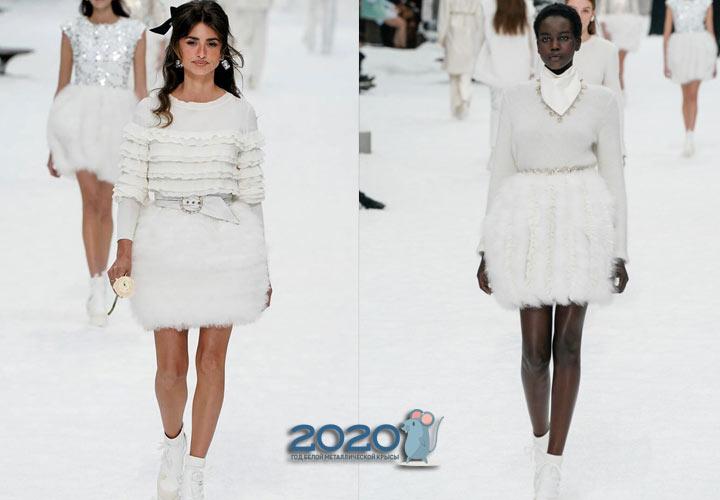 Белые меховые юбки коллекции Шанель осень-зима 2019-2020
