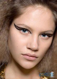 Модные стрелки - макияж зимы 2019-2020