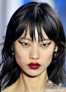 Тренды макияжа 2020 года - стрелки