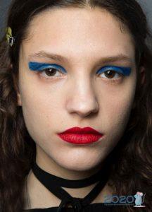 Цветные стрелки - макияж осень-зима 2019-2020