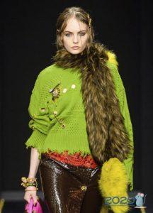 Зеленый свитер осень-зима 2019-2020