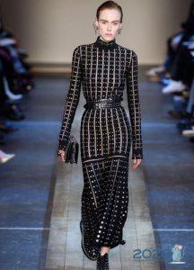Черное вязанное платье осень-зима 2019-2020