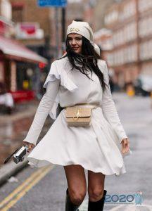 Белое платье street-style 2019-2020