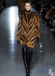 Max Mara осень-зима 2019-2020 тигровое платье