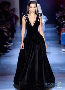Черное бархатное платье осень-зима 2019-2020