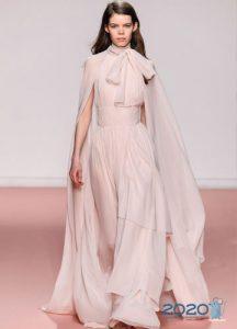Красивое нюдовое платье на 2020 год