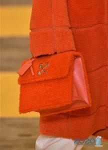 Яркая меховая сумка зима 2020