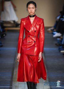 Красный кожаный костюм осень-зима 2019-2020