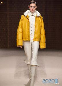 Модный желтый пуховик осень-зима 2019-2020