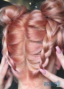 Клубничный цвет волос - трнды окрашивания сезона осень-зима 2019-2020