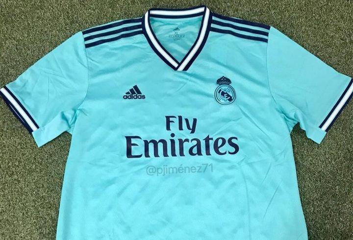 Резервный комплект новой формы Реал Мадрид 2019-2020 года
