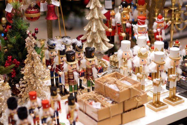 Рождественская ярмарка в лофт-проекте «Этажи»